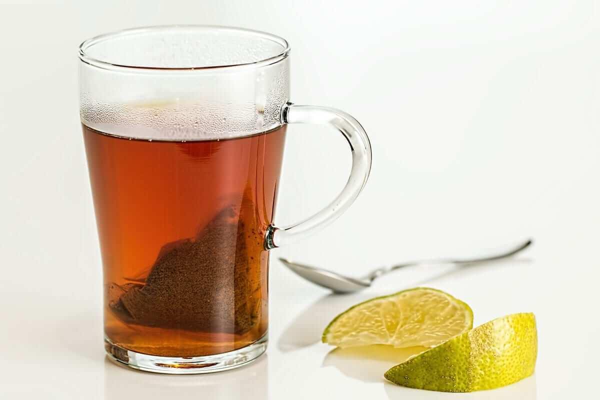 beste Hausmittel gegen Angina - Heiße Zitrone